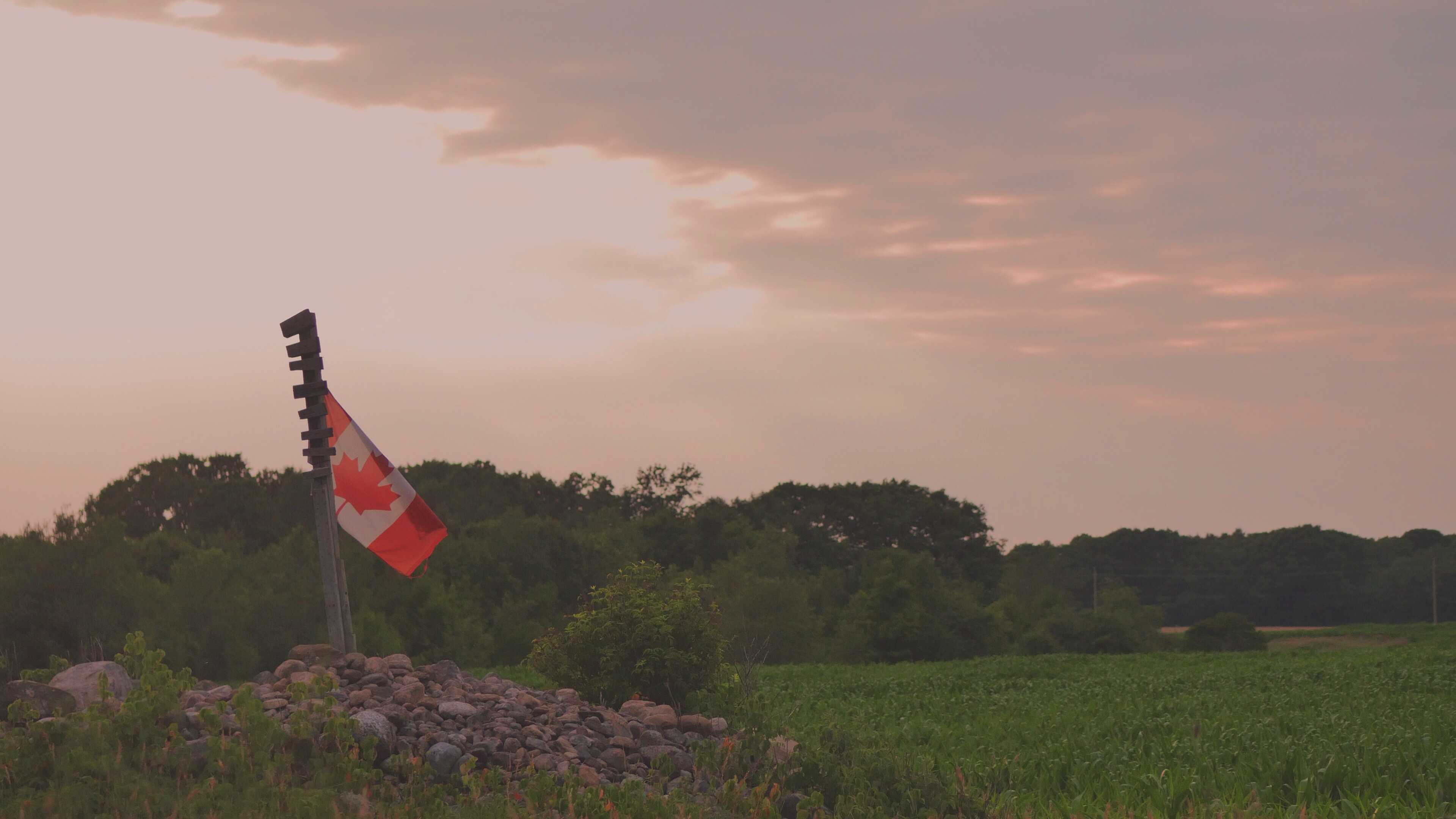 canada,ontario,barrie,flag